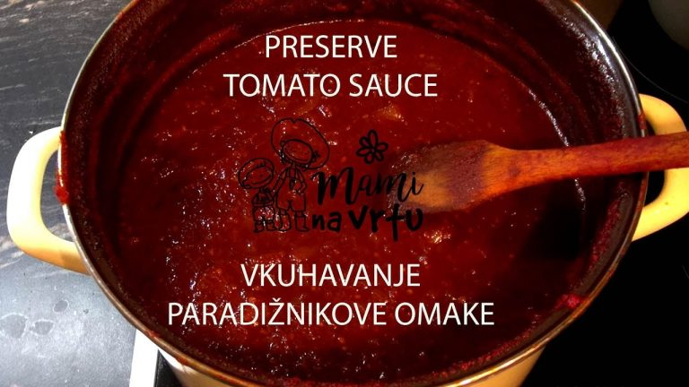 Vkuhavanje paradižnikove omake   Preserve tomato sauce